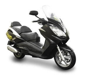 Ride-on-scooter-rental-peugeot-satelis-300cc