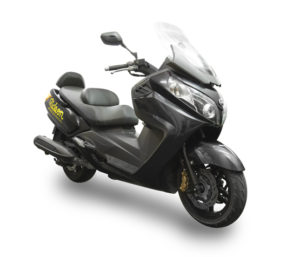Ride-on-scooter-rental-sym-maxsym-400cc-1